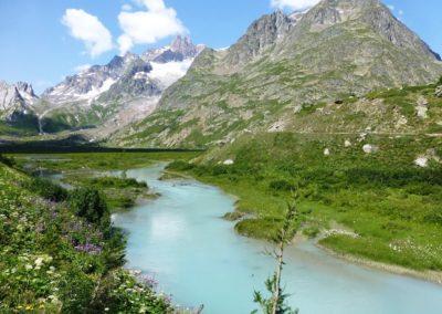 Lac Combal sur le Tour du Mont Blanc