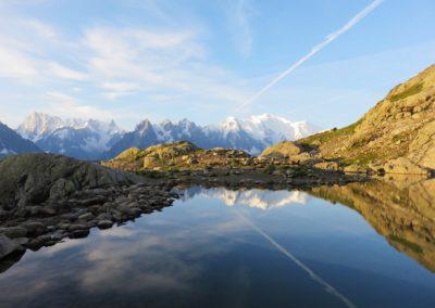Lac Cheserys et reflets du massif du Mont Blanc