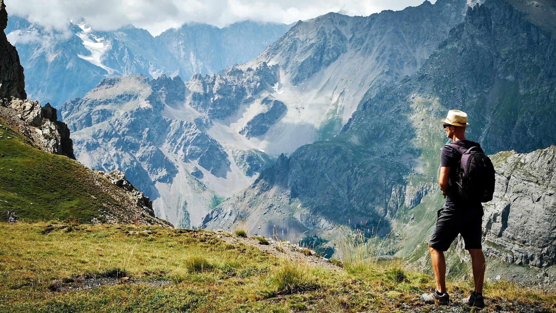 Quel Matériel Pour Une Randonnée En été Trekking Mont Blanc