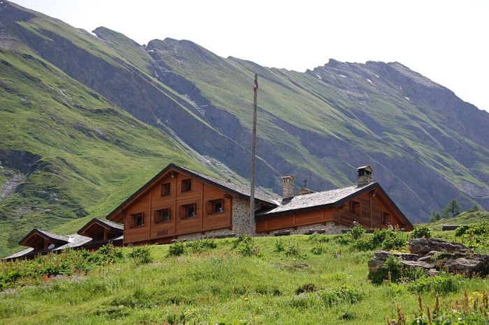 Refuge Bonatti Tour du Mont Blanc