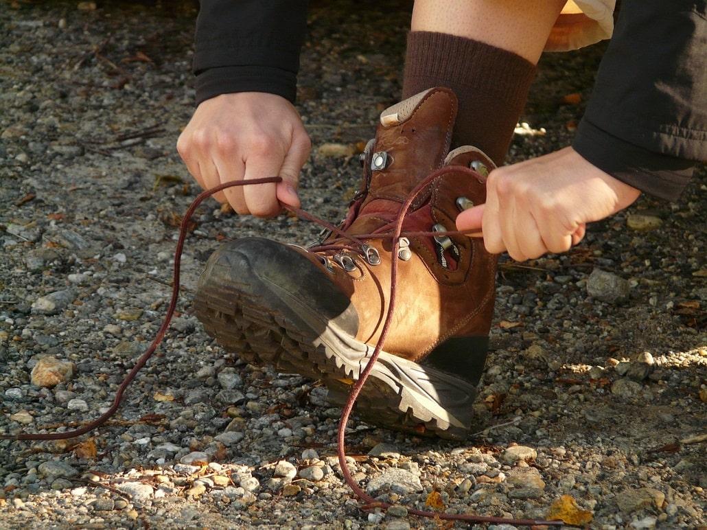 laçage chaussures de randonnée et de montagne