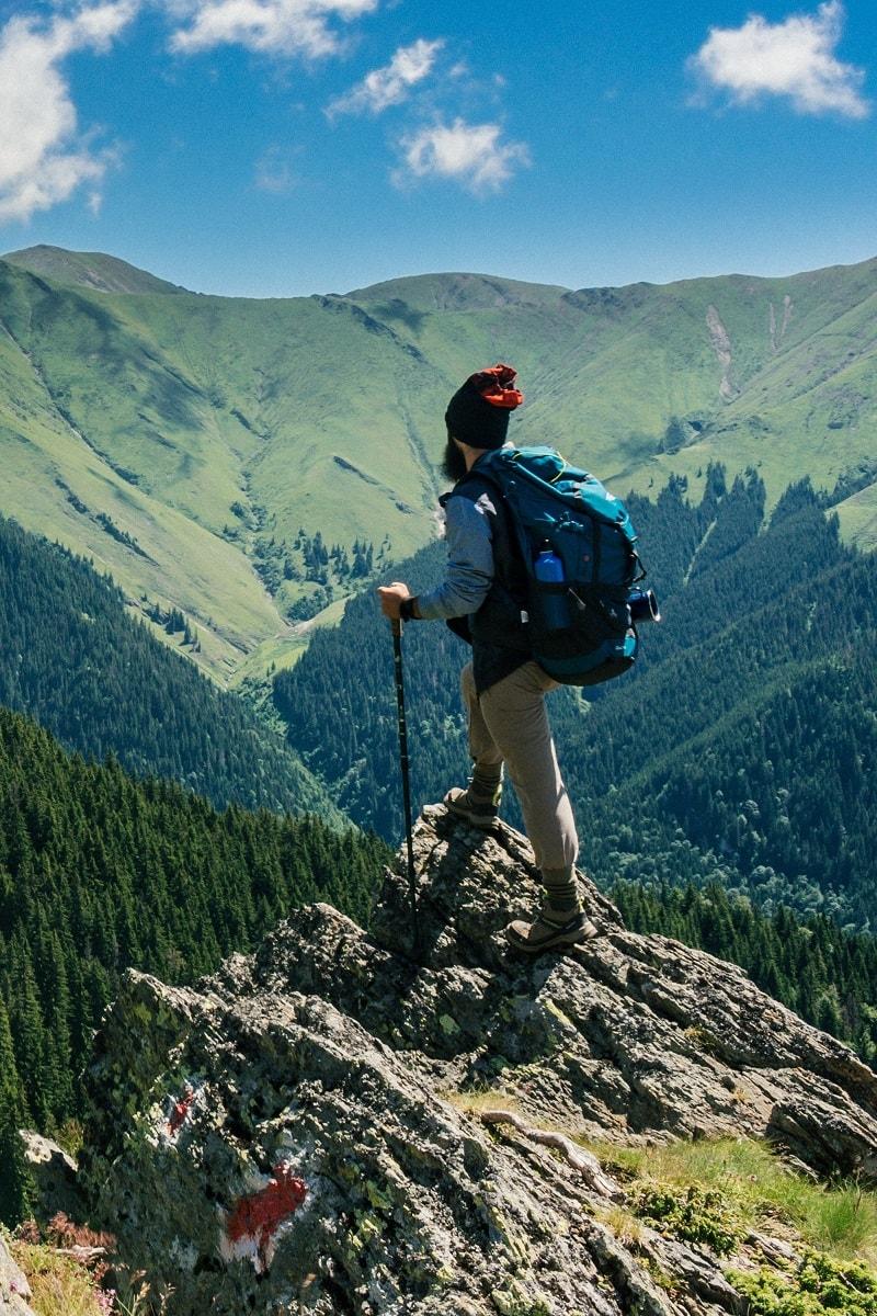 matériel pour le tour du mont blanc : un sac de randonnée